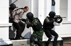 Australia warns of terror threat in Indonesia