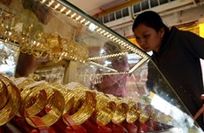Gap between Vietnam's gold price, global market price narrows