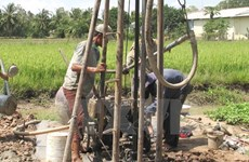 Mekong Delta provinces save locals from drought