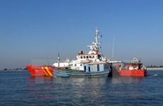 Five fishermen aboard sunken boat rescued