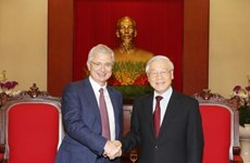 Party Secretary greets French NA President