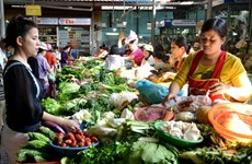 Food costs skyrocket for Vietnamese people