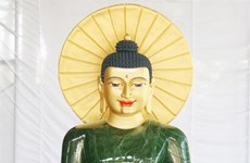 Massive jade Buddha displayed in Quang Binh