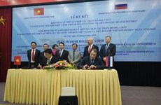 Vietnam, Russia sign deals on further oil and gas exploitation