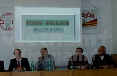 Seminar on Vietnam's renovation held in Czech Republic