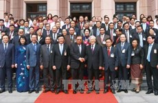 Lao top leader visits HCM National Academy of Politics