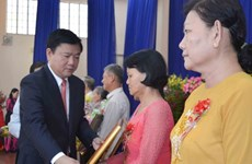 "HCM City: 201 women awarded ""Heroic Mother"" title"