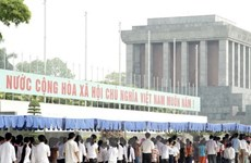 Over 66,000 people pay homage to President Ho Chi Minh