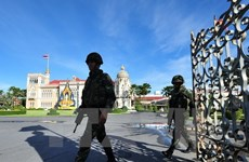 Thailand continues ban on political activity