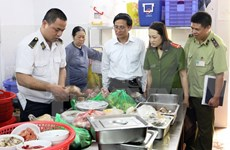 Hanoi moves to tackle unhygienic food