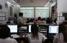 Vietnamese shares drop on lower oil prices
