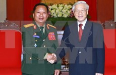 Party chief hails Lao Defence Minister's visit to Vietnam