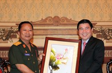 HCM City leader greets Lao defence minister