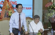 Party official meets Vietnamese representatives abroad