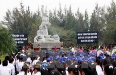 Summer Camp youths arrive in Quang Ngai
