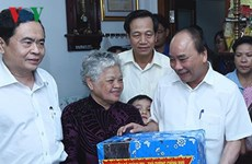 PM visits policy beneficiary families in Can Tho