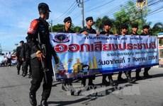Thailand deploys 100,000 police to keep referendum security