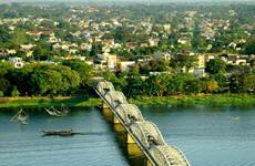 Vietnamese, Lao localities look for closer ties