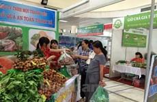 Hanoi to arrange 119 areas selling safe farm produce