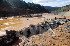 PM urges urgent response to dam break incident in Quang Nam
