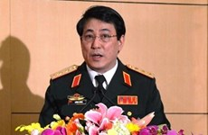 Senior Vietnamese officer receives Chinese guest