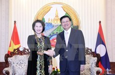 Lao PM ready to tackle difficulties for Vietnamese investors
