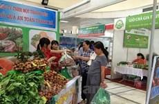 Safe farm products week kicks off in Hanoi