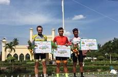 Vietnam first in ranking at Tour de Siak cycling tournament