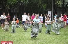 Children excited with folk games in Hanoi
