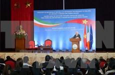 Irish President talks sustainable development with students