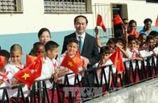 President visits school, monuments in Havana