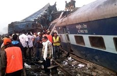 Vietnamese leaders condole with India over train accident