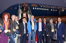 Warm welcome to first foreign visitors in 2017
