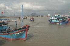 Filipino fishermen rescued in Phu Yen