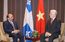 PM Nguyen Xuan Phuc  meets Premier of Quebec