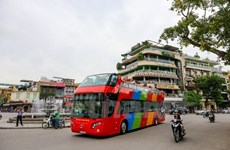 Hanoi's double-decker bus to run during evenings
