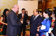 Prime Minister hosts banquet on occasion of National Day