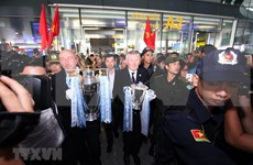 Premier League trophy arrives in Hanoi