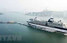 Hon Gai int'l port receives first cruise ship