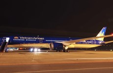 Vietnam Airlines welcomes its first Boeing 787-10 dreamliner