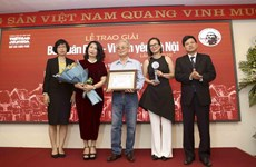 Bui Xuan Phai – For Love of Hanoi Awards honours music composer Phu Quang