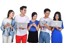 Vietnamese youngsters change to adapt to digital era
