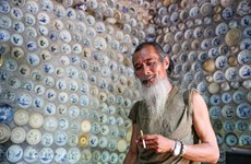 """Crazy"" man and his unique ceramic house in Vinh Phuc province"