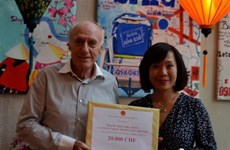 Vietnam Embassy in Switzerland raises over 32,500 CHF for COVID-19 fund at home