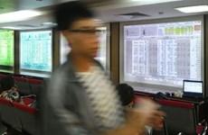Vietnam stocks fall, led by banks, food companies