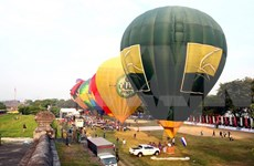 2016 Hue Festival: Int'l hot air balloon fiesta kicks off