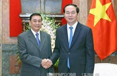 President hosts head of Lao Presidential Office