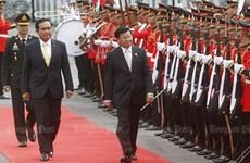 Thailand, Laos tighten bilateral ties
