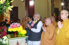 Indian PM meets with Vietnamese Buddhists