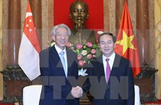 President welcomes Singapore's Deputy Prime Minister
